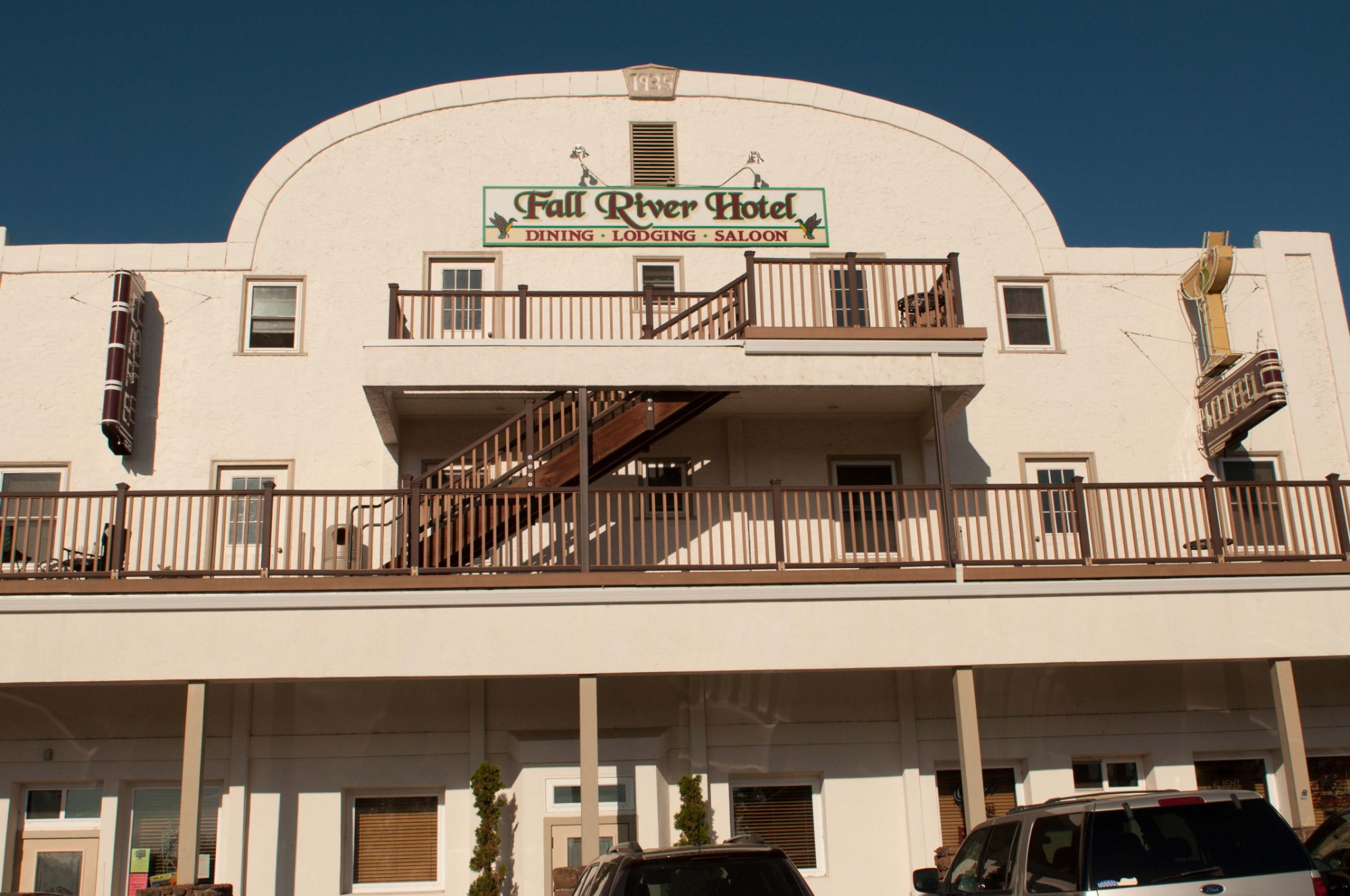 Fall River Hotel