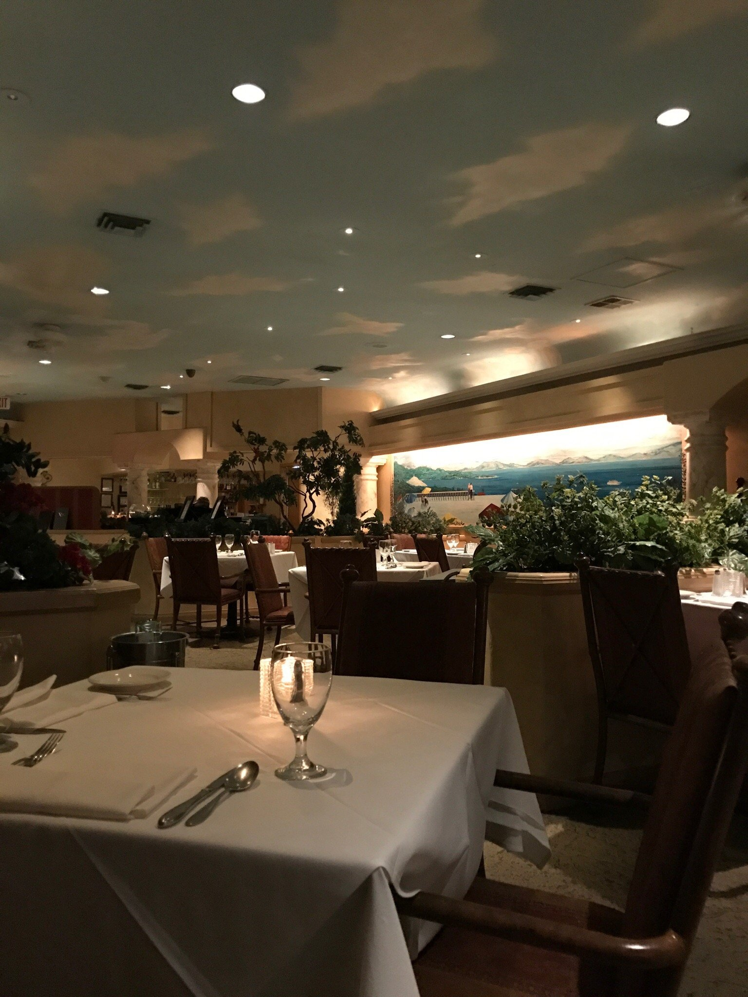 Sergio 39 S Italian Gardens Restaurant Las Vegas Omd Men