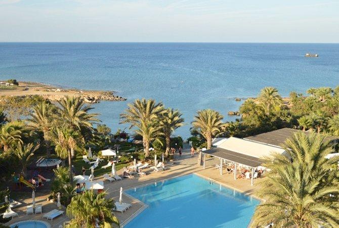 Crystal Springs Beach Hotel