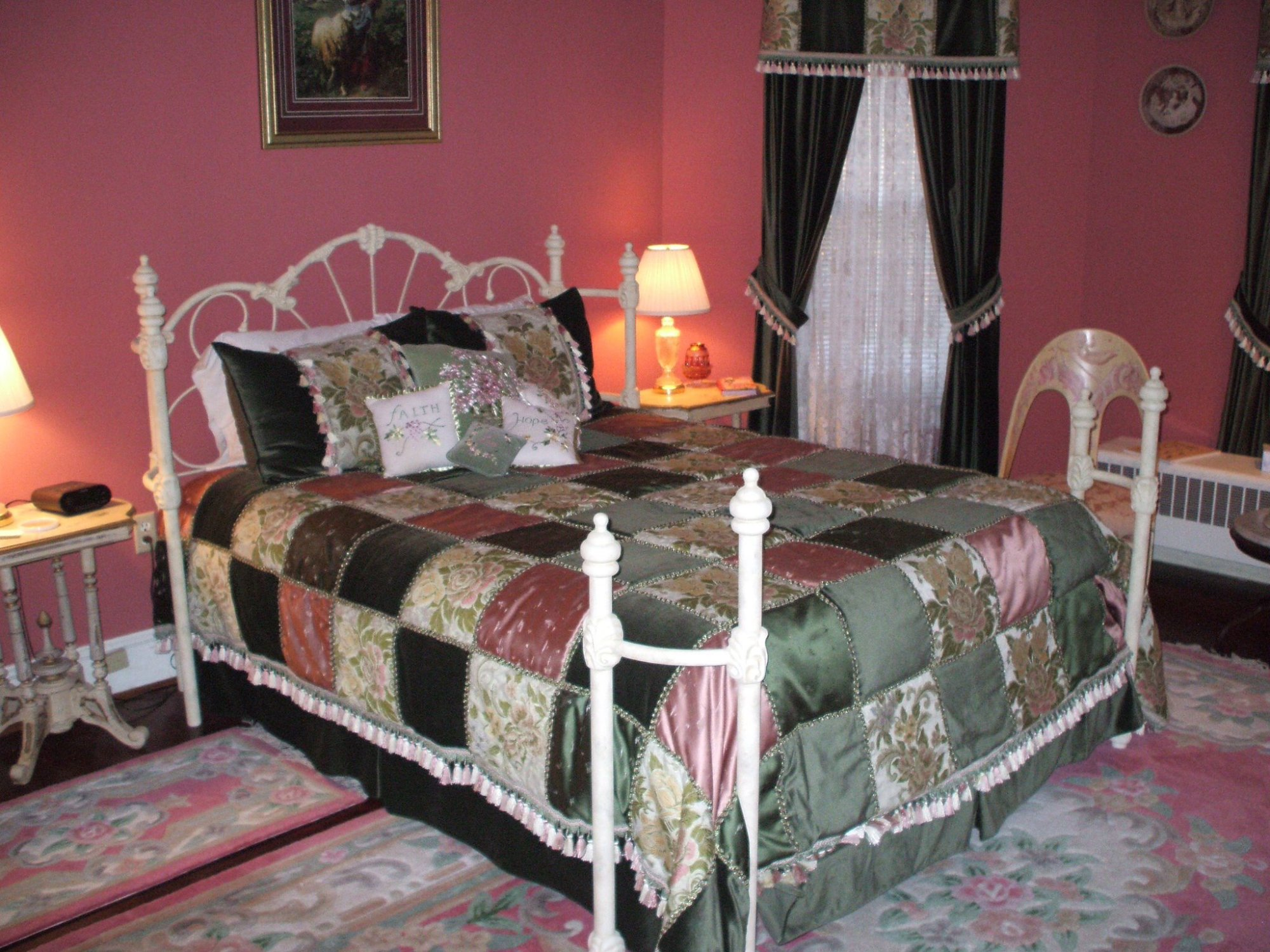 Ivycrest Inn Bed and Breakfast