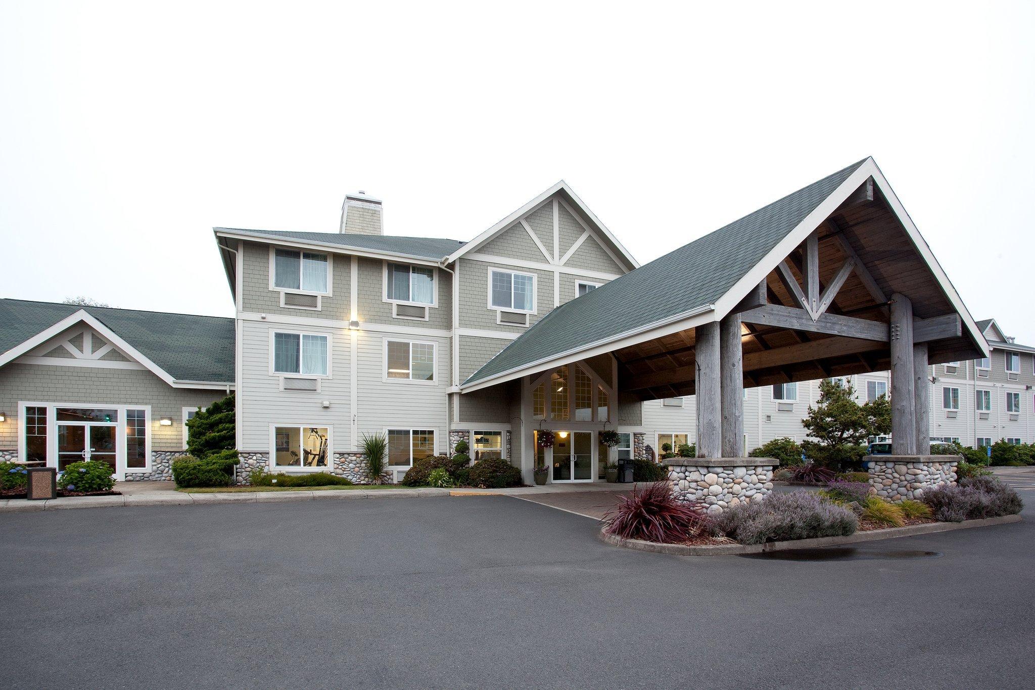 紐波特拉昆塔套房飯店