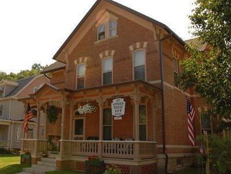 Stauer House