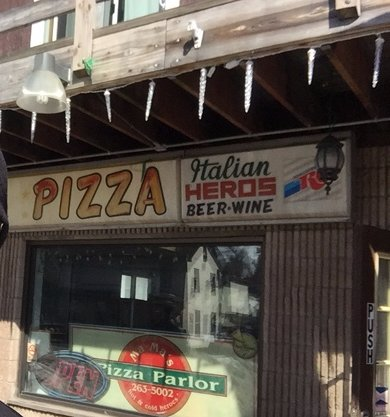 MaMa's Pizza Parlor
