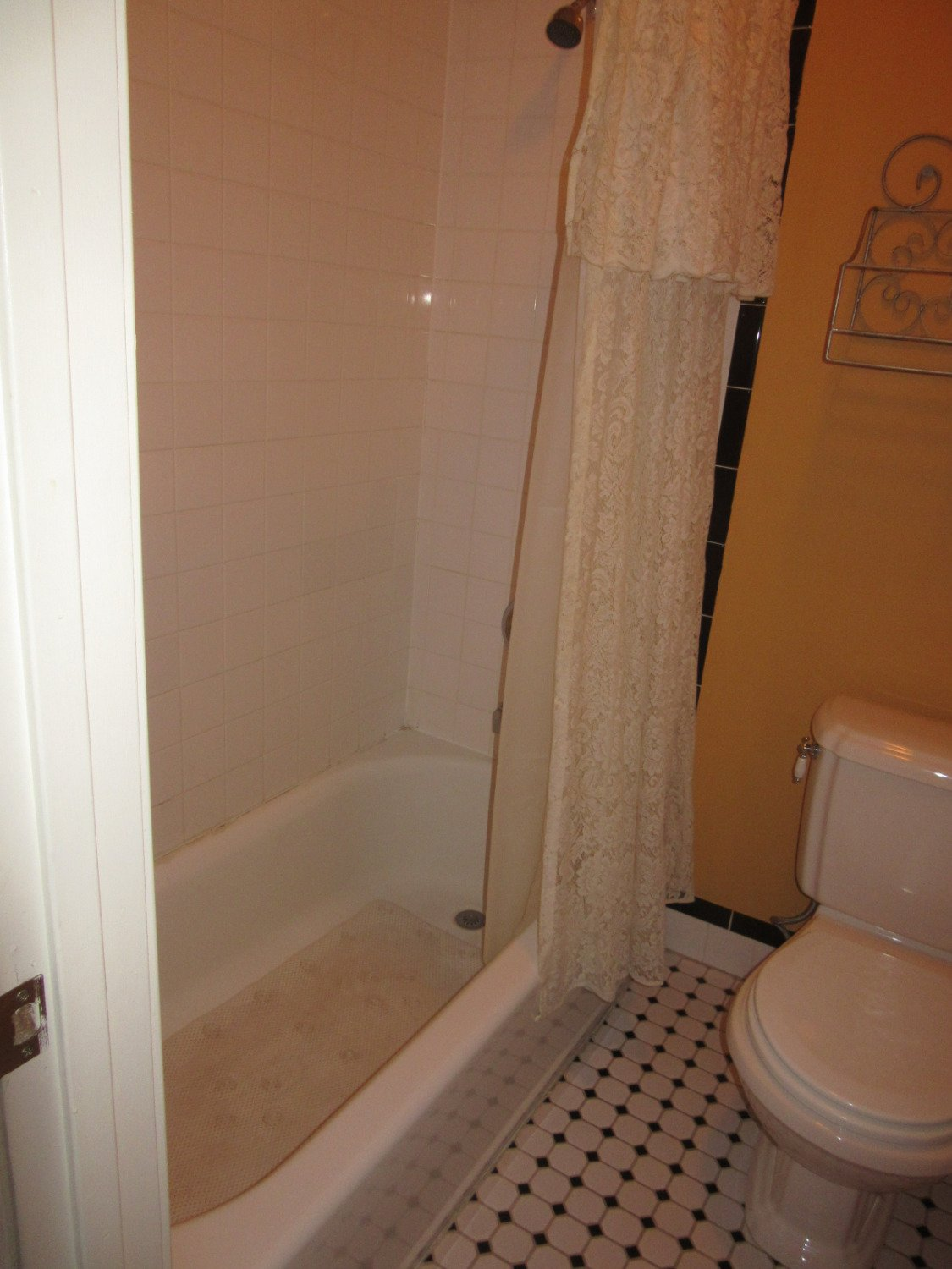WGI Autumn Rose Room Tub with Shower