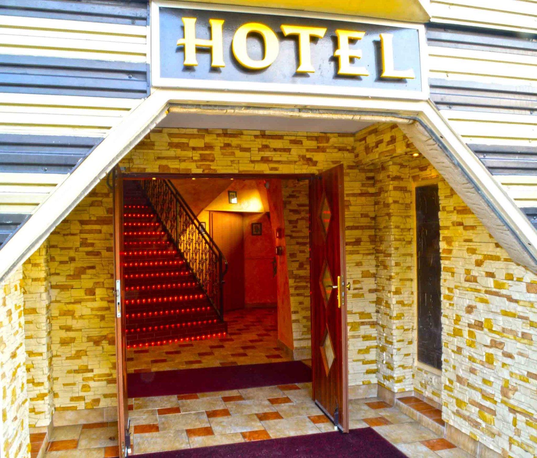 Pyramid - Hotel & Restaurant
