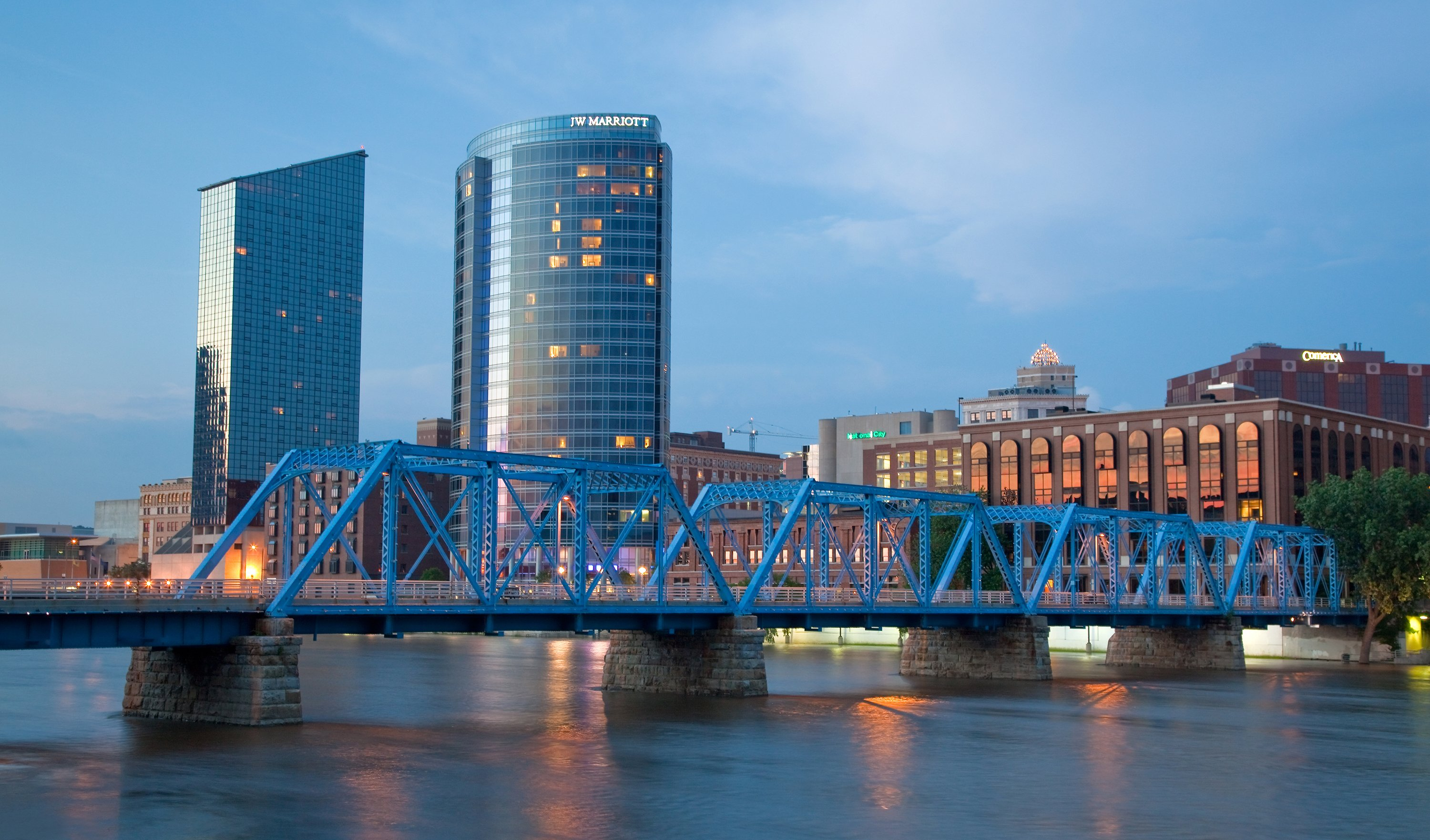 what college is in grand rapids michigan Grand rapids, michigan's higher education offerings include 15 colleges and universities within a safe, clean and friendly environment.
