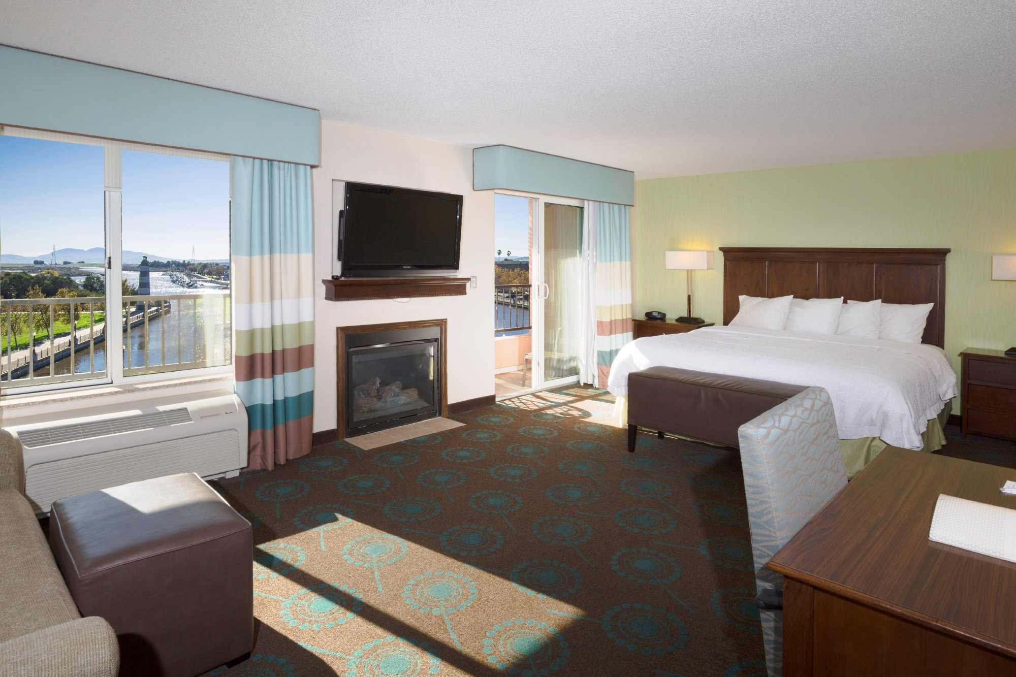 Hampton Inn and Suites Suisun City Waterfront