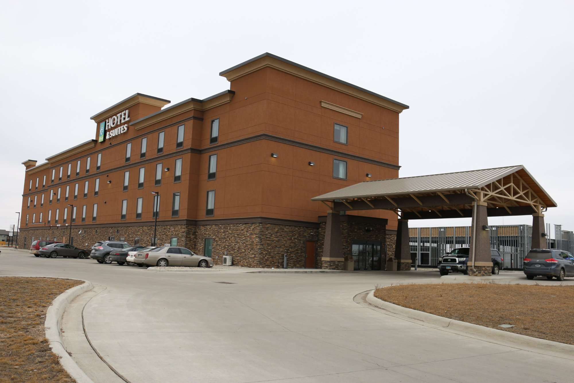 Astoria Hotel & Suites Minot