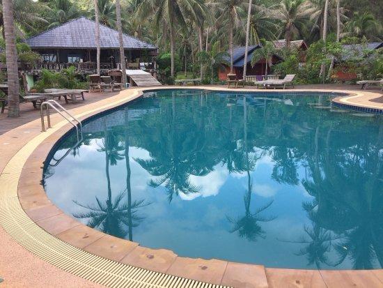 Chaloklum Bay Resort