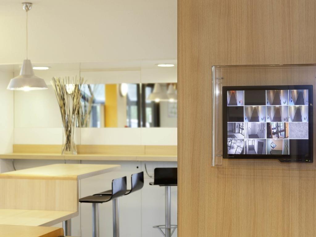 hotelf1 tours sud hotel chambray l s tours voir les tarifs et 48 avis. Black Bedroom Furniture Sets. Home Design Ideas