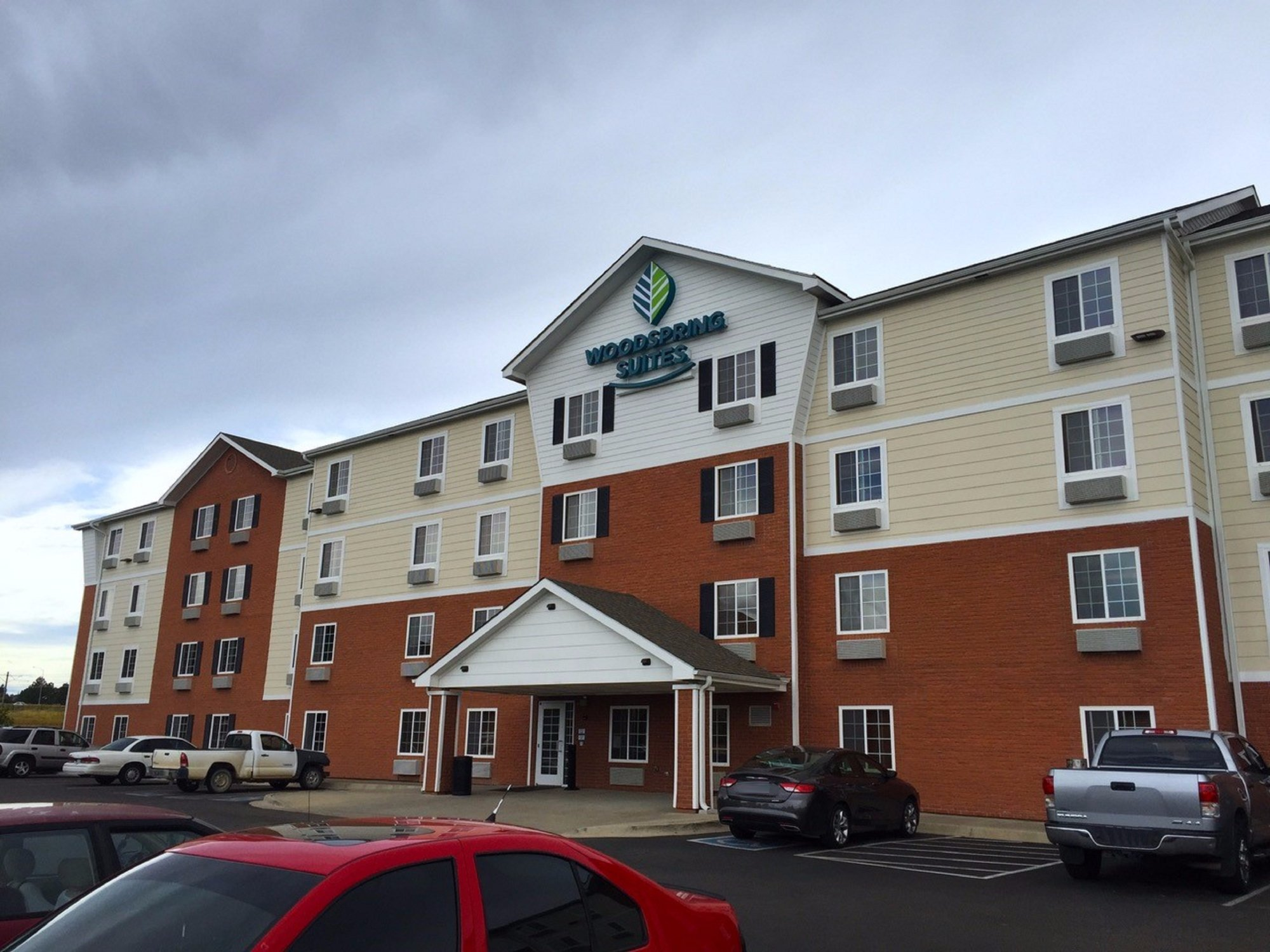 WoodSpring Suites Louisville Clarksville