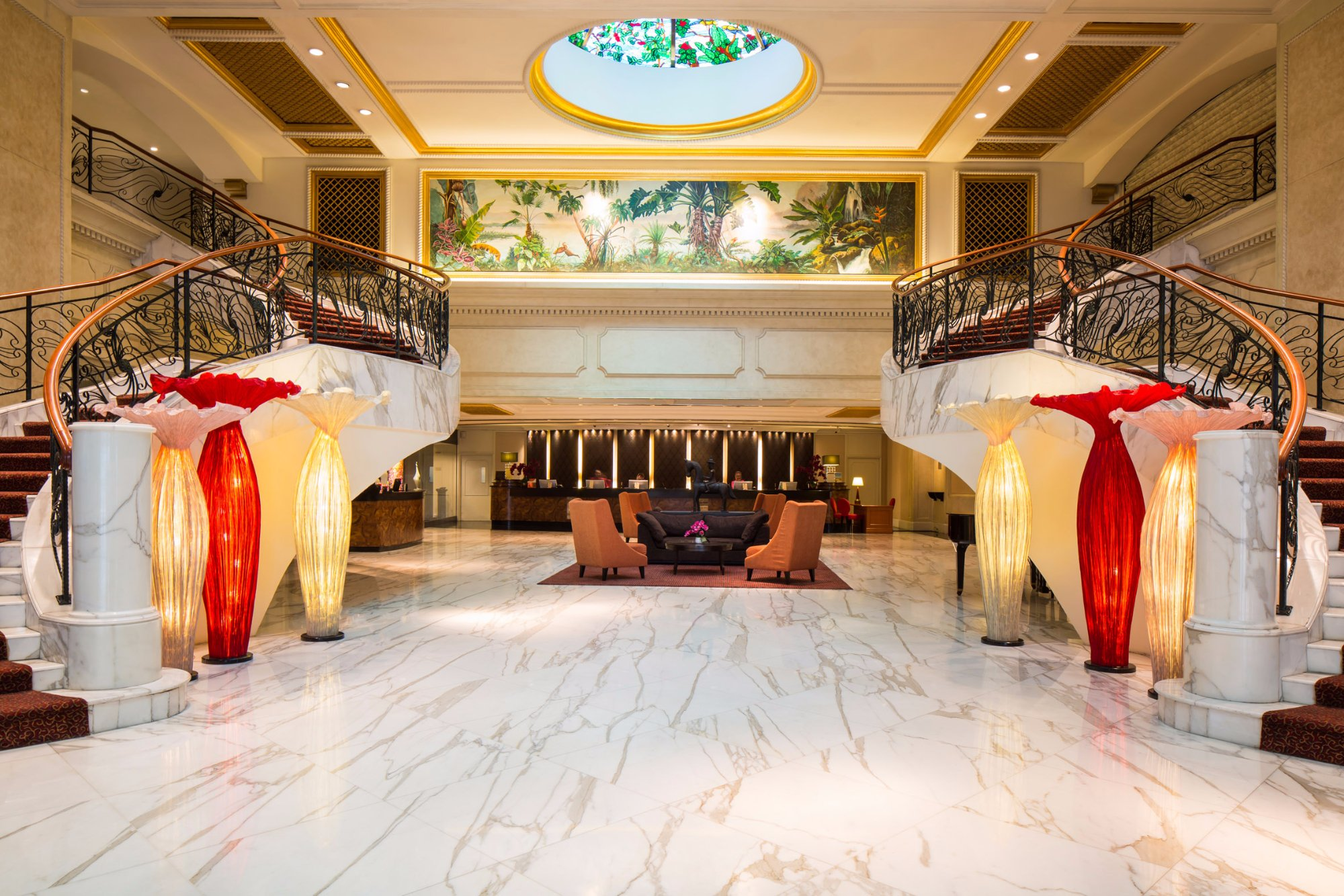 โรงแรมรอยัล พลาซ่า ออน สก็อตส์