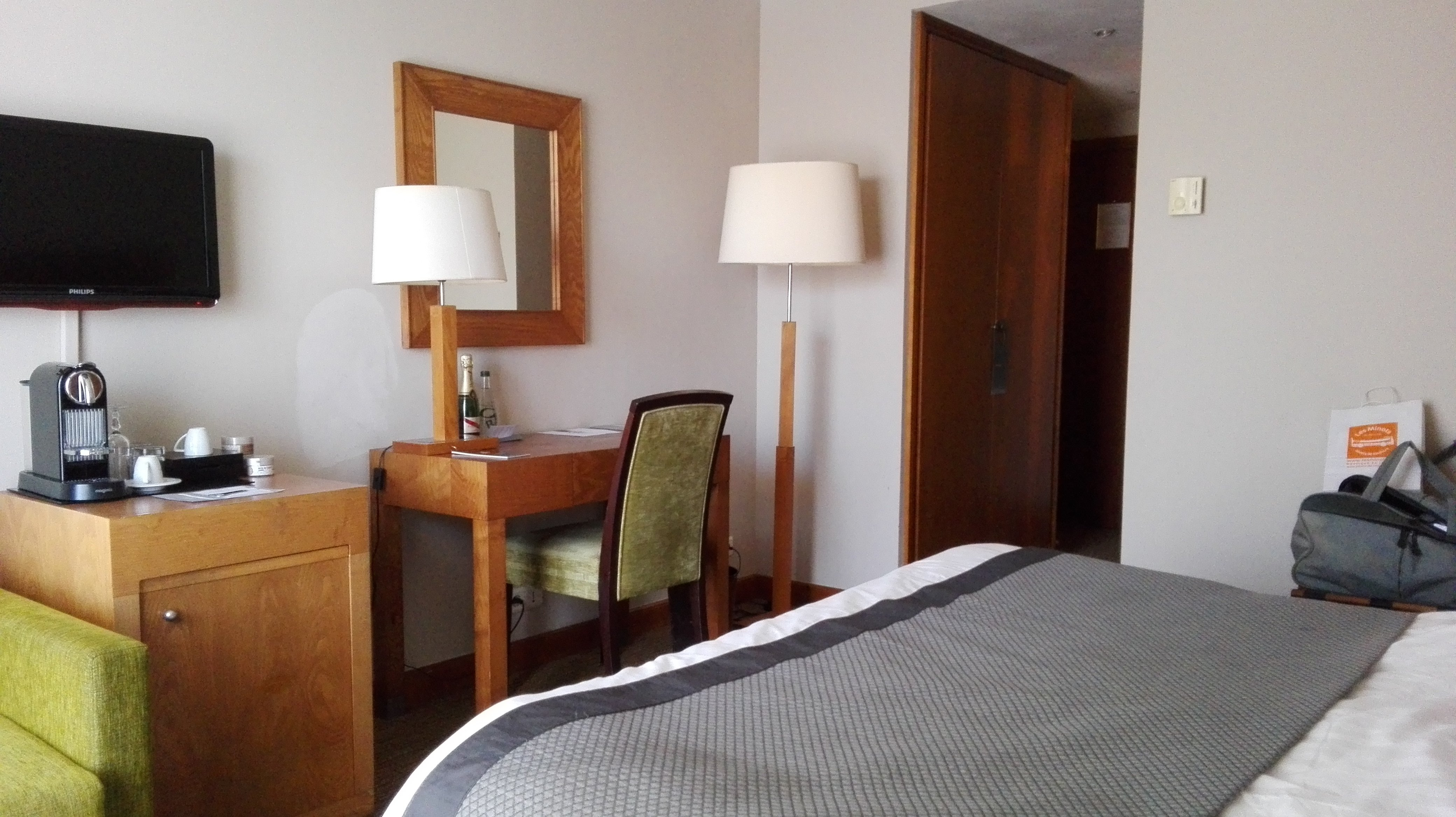 ニュー ホテル ボンパール