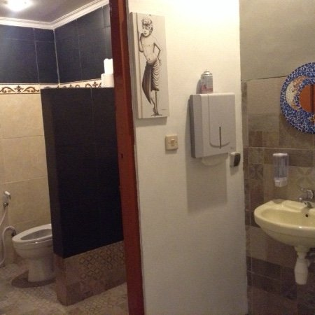 gent rest room ( simple and clean )