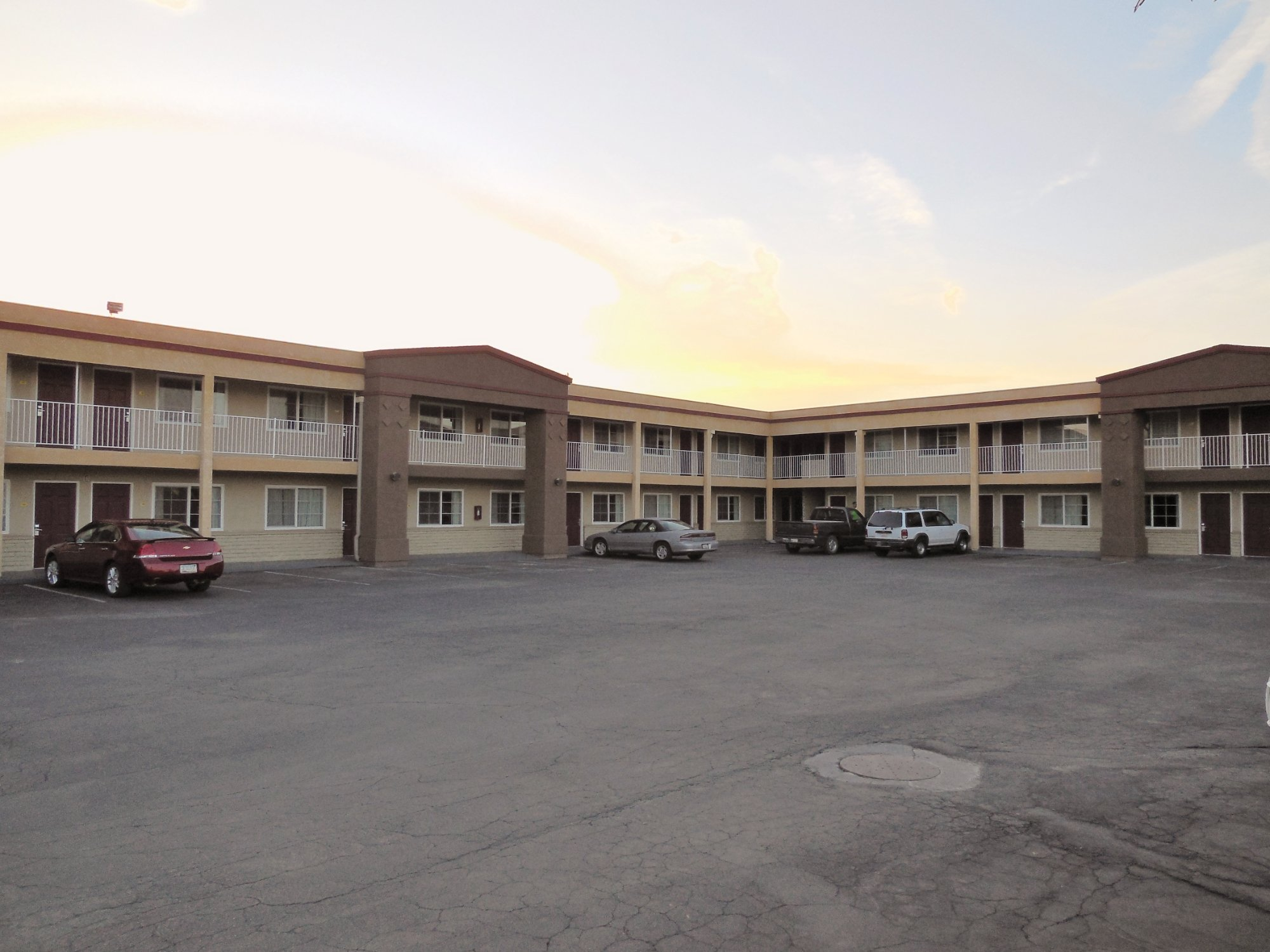 Americas Best Value Inn- Hanford