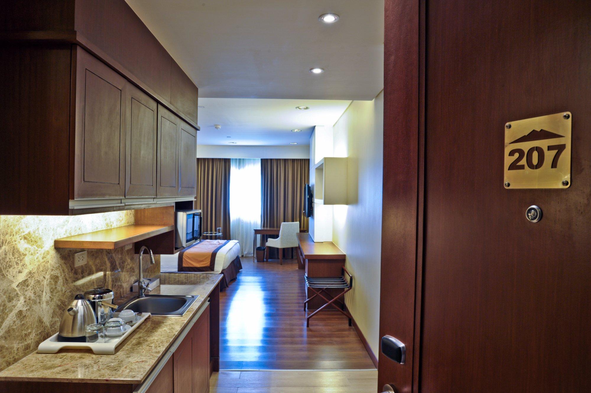 SanTomas Suites