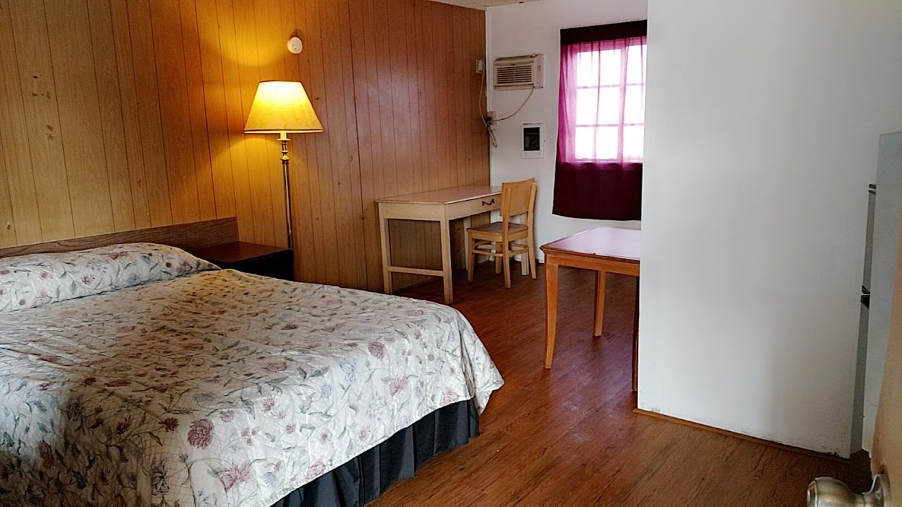 Lampliter Motel
