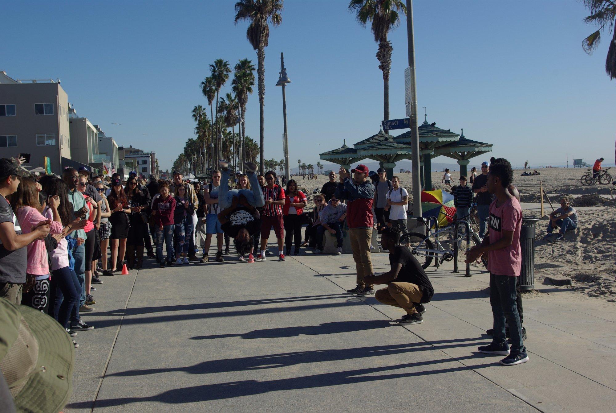 Venice beach, breakdancer in flight :) (Pentax K10D)