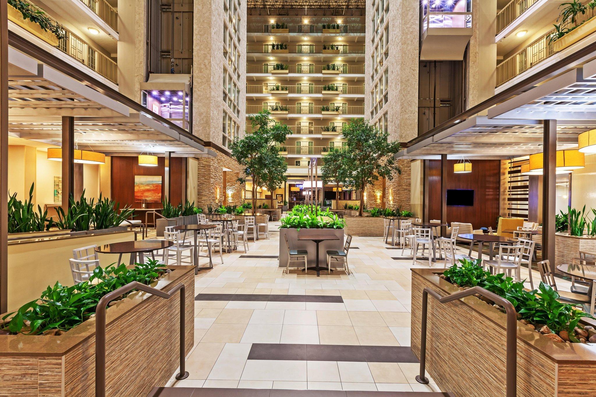 엠버시 스위트 호텔 댈러스 마켓 센터