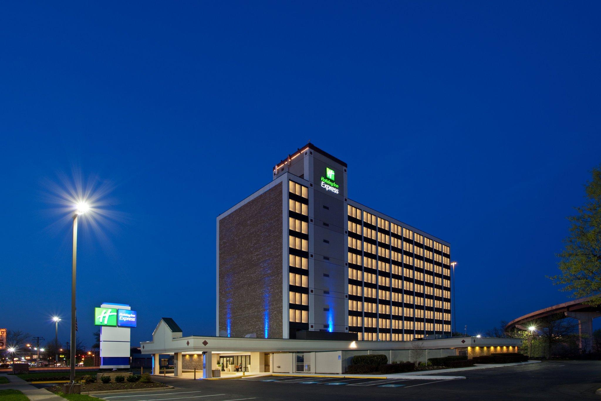Holiday Inn Express Washington DC SW-Springfield