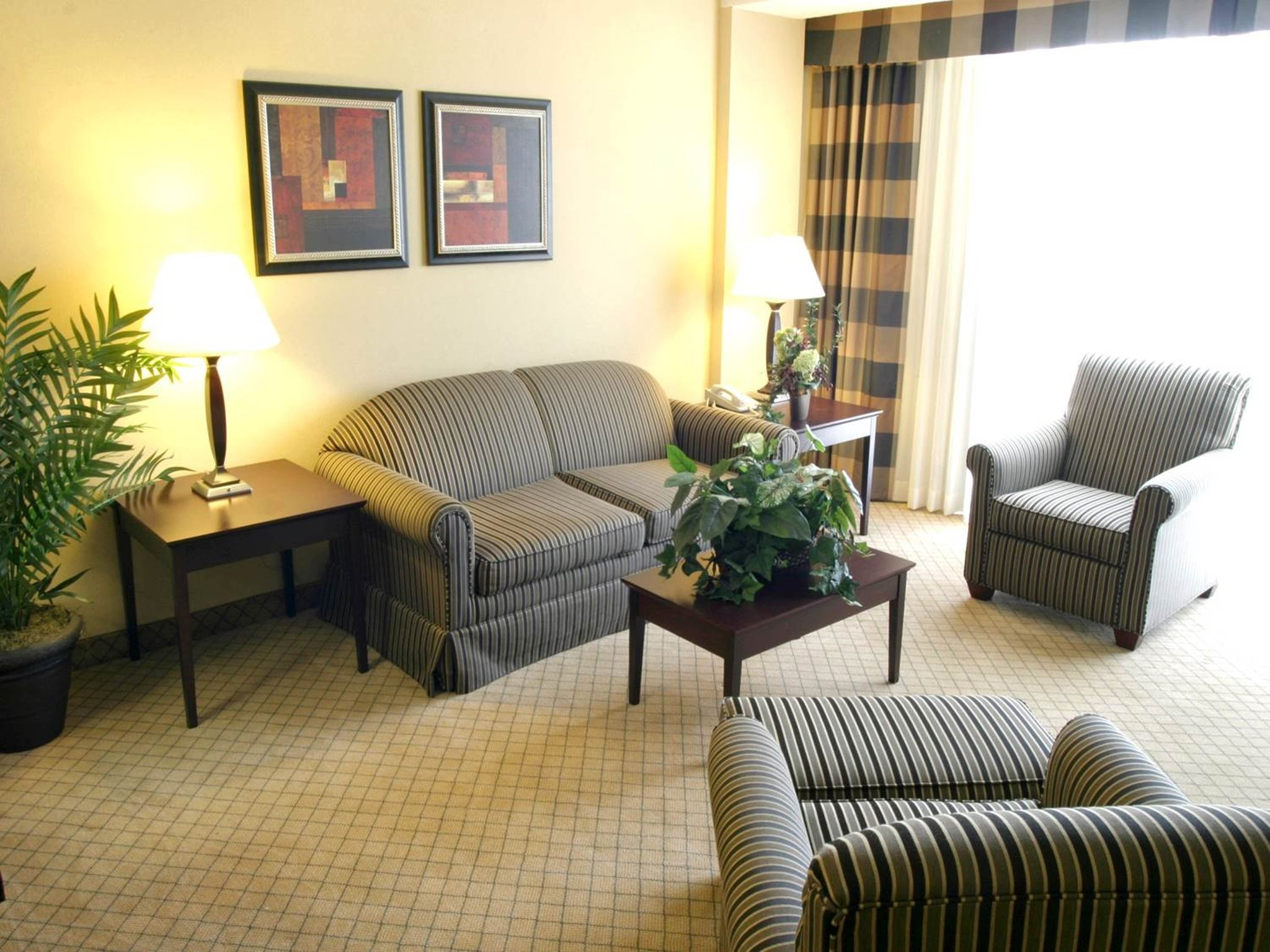 Holiday Inn Beaumont Plaza