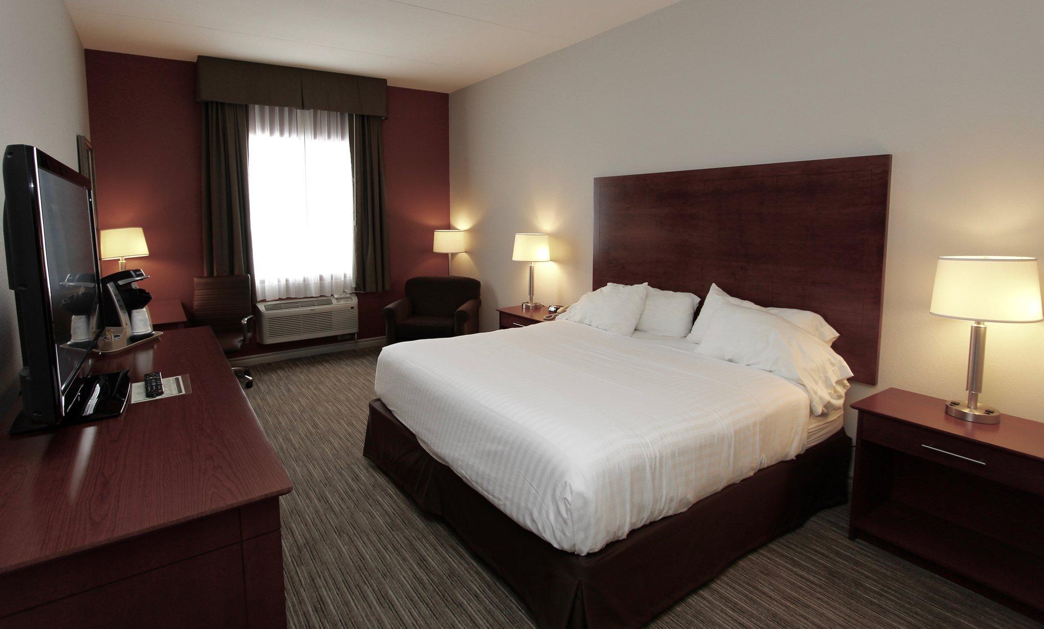 ホリデイ・イン エクスプレス ホテル & スイーツ 1000 アイランズ ガナノーク