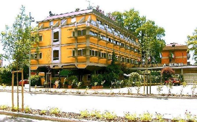 埃隆基汽車酒店