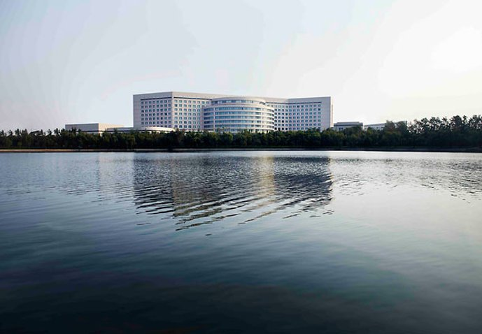 โรงแรมเรอเนสซองส์ เทียนจิน เลควิว