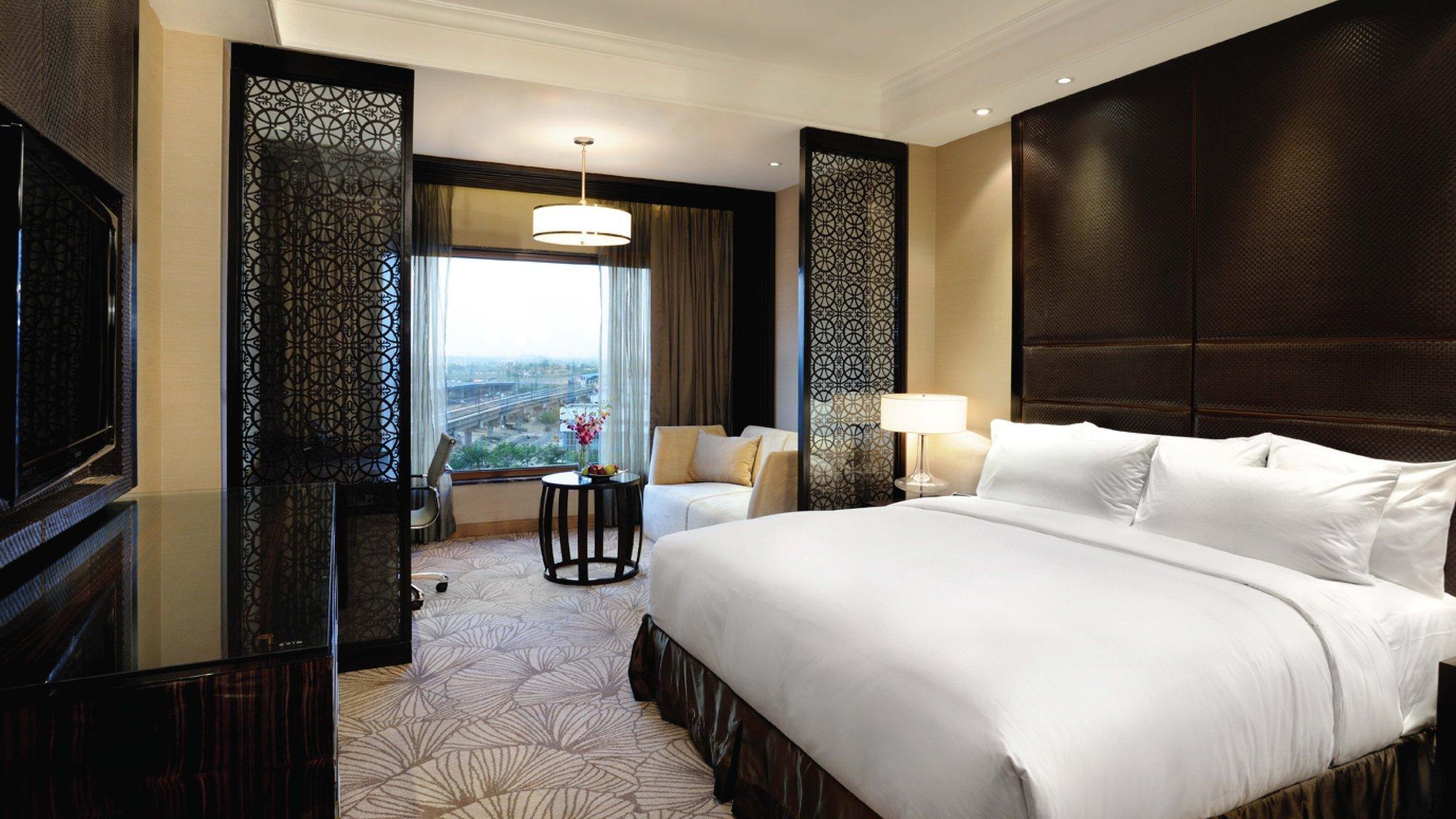 新德里瑪玉爾豪爾諾伊達皇冠假日酒店