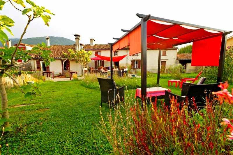 Auberge de la barguillere saint pierre de riviere for Auberge lautre jardin