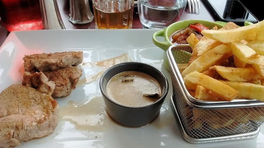 restaurant restaurant le local dans bouc bel air avec cuisine fran 231 aise restoranking fr