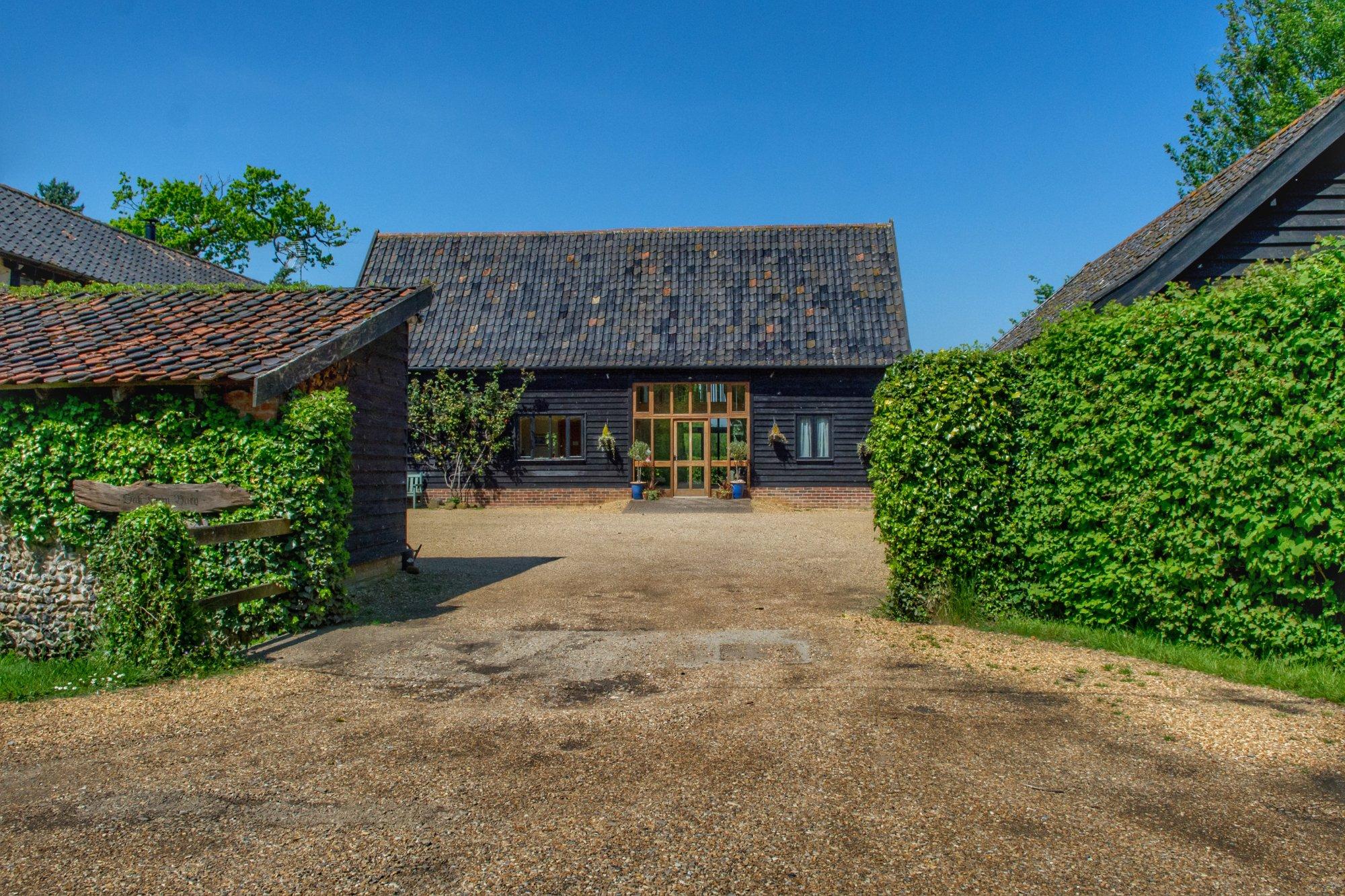 Oak Farm Barn