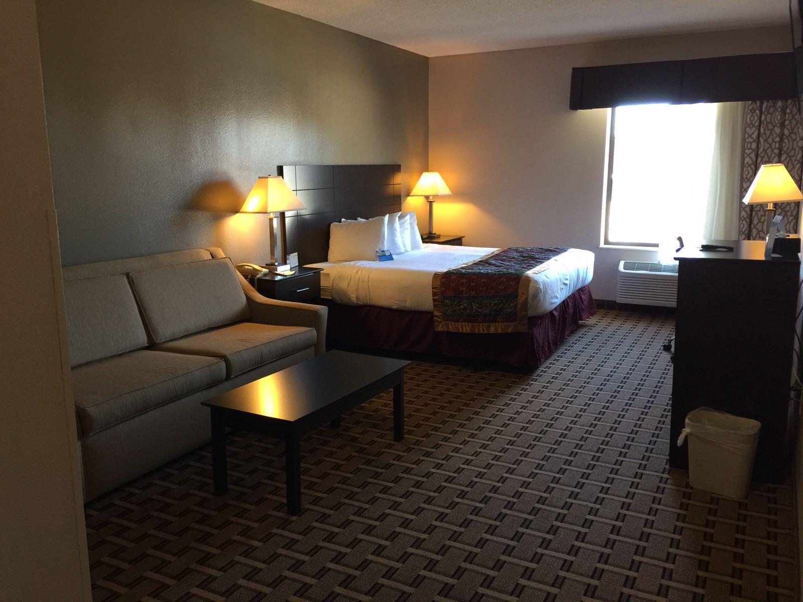科勒爾維爾貝蒙特旅館套房酒店