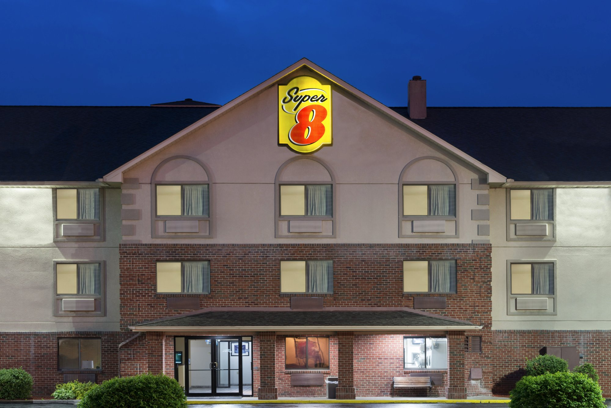 ‪Super 8 Morgantown‬