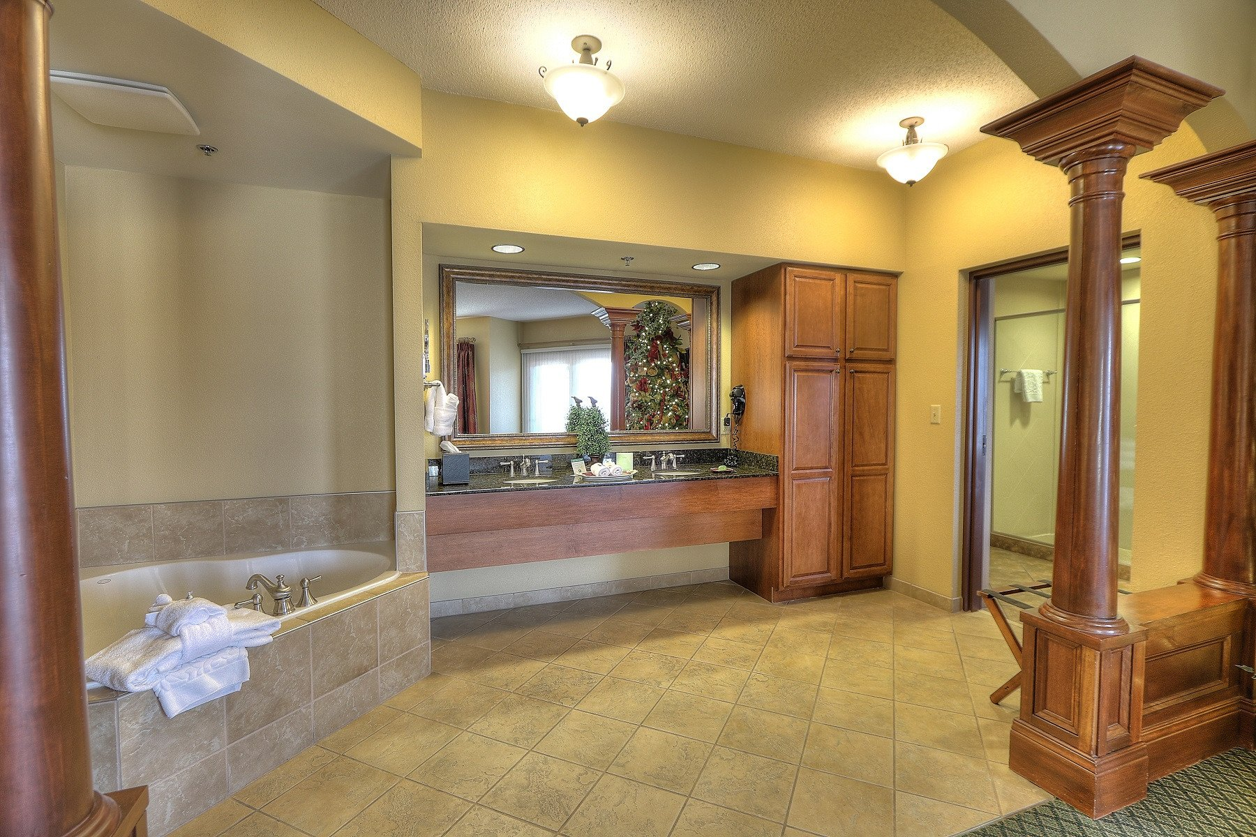 Hotels With 2 Bedroom Suites In Pigeon Forge Tn Onvacations. 2 Bedroom Suite Hotels In Pigeon Forge Tn   Scandlecandle com