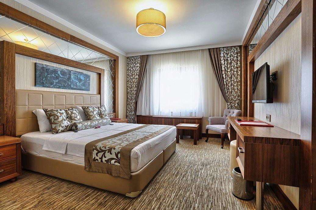 City Hotel & Residence