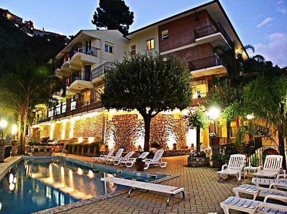 โรงแรมโครัลโล