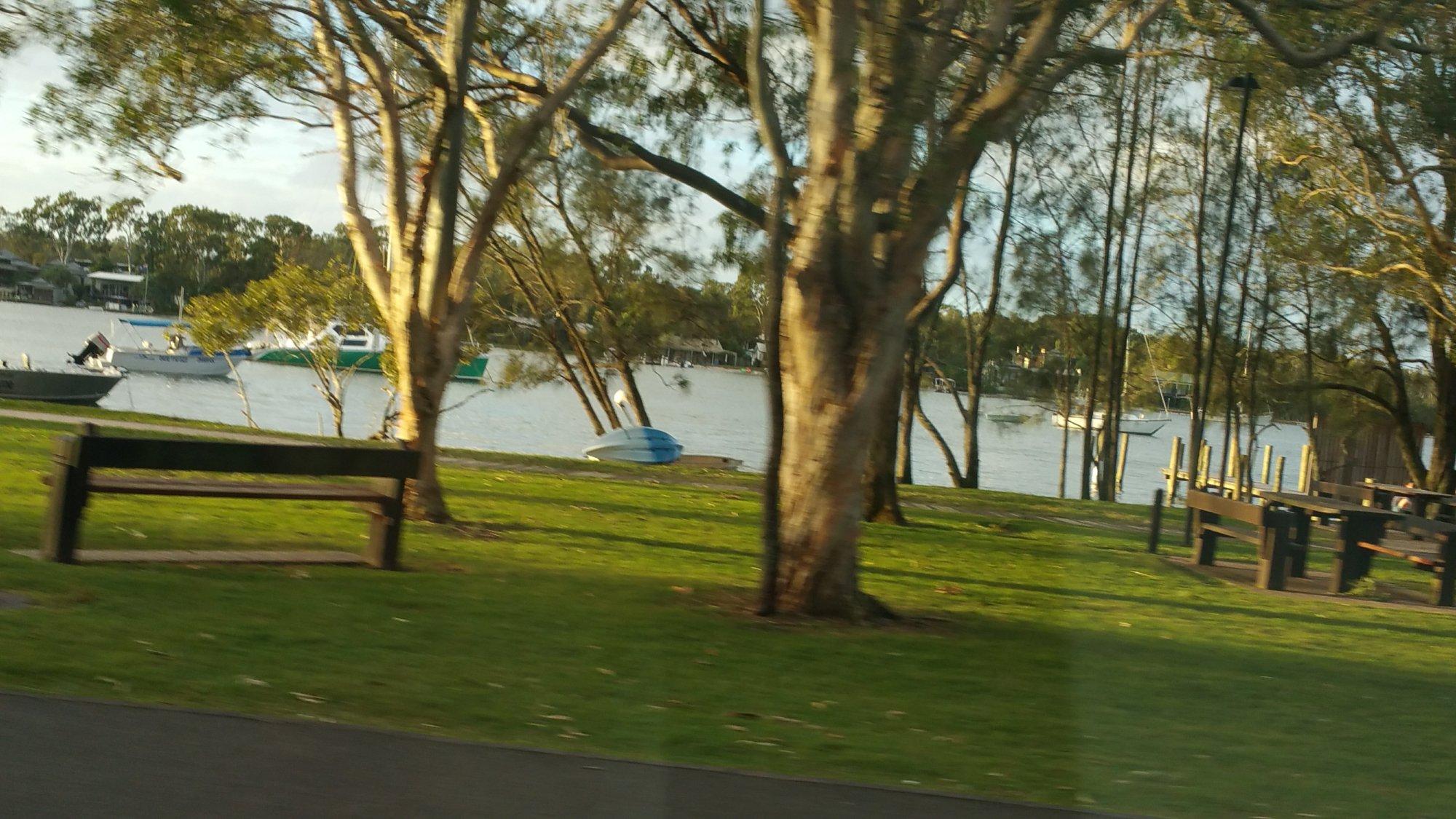 Noosa Lakes Chalet