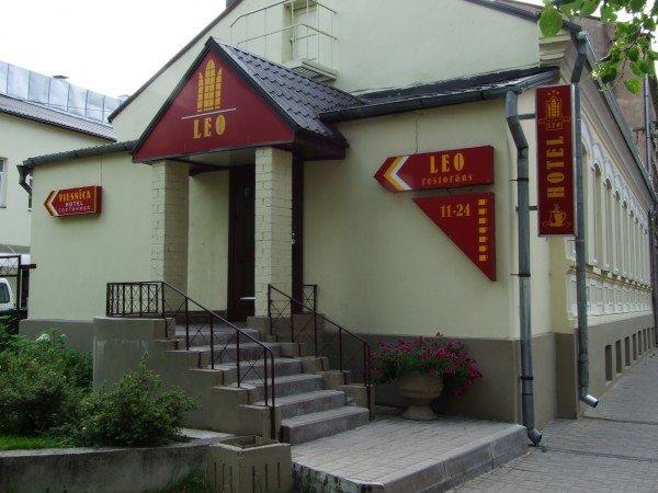 Отель Leo