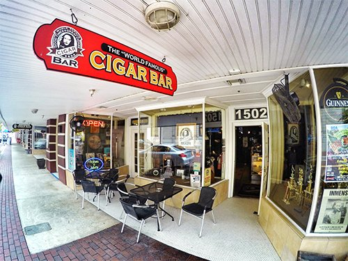 ‪The World Famous Cigar Bar‬