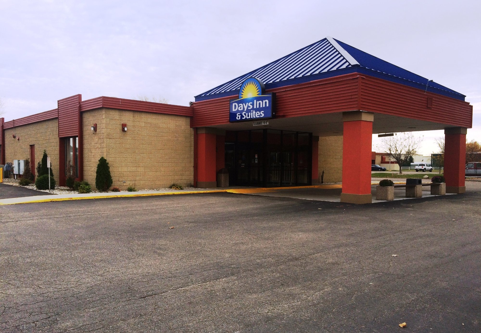 Days Inn & Suites Mt Pleasant