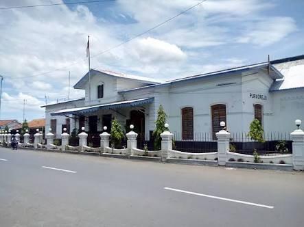 Purworejo Station