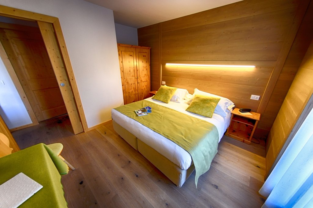 Meuble cima bianca updated 2017 hotel reviews price for Meuble cima bianca bormio