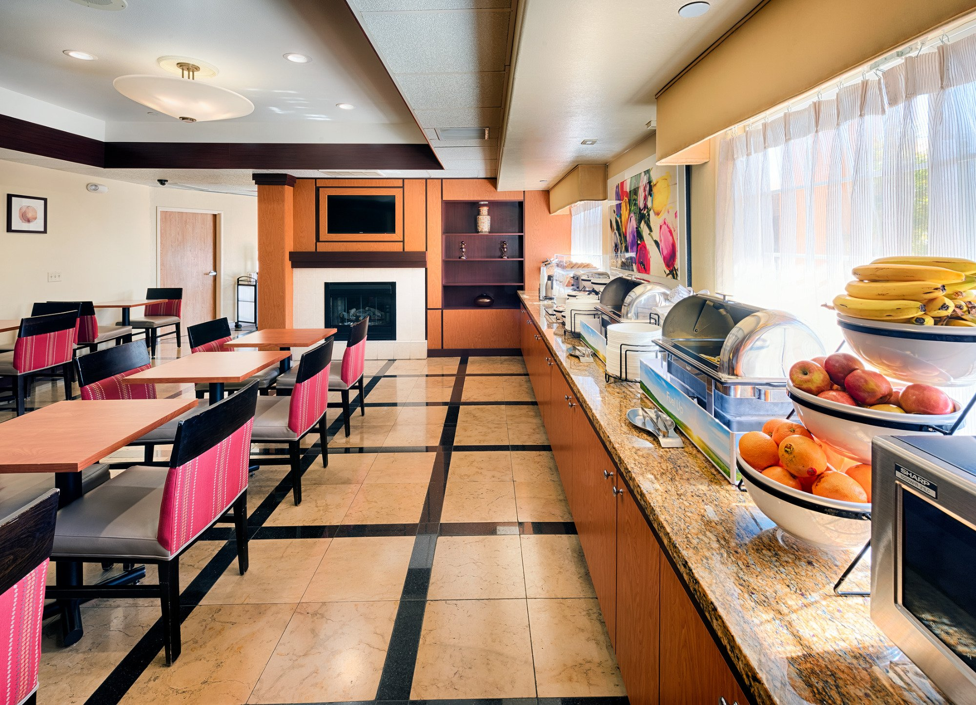 Comfort Inn & Suites Oakland Airport