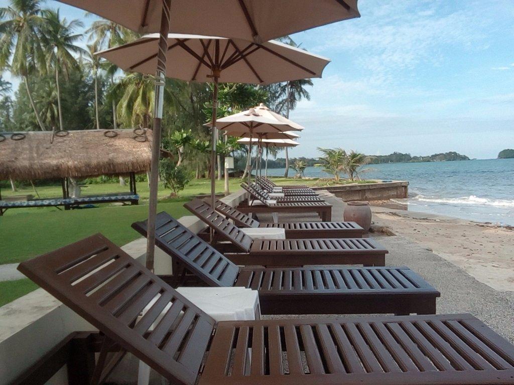 Lanta Pura Beach Resort