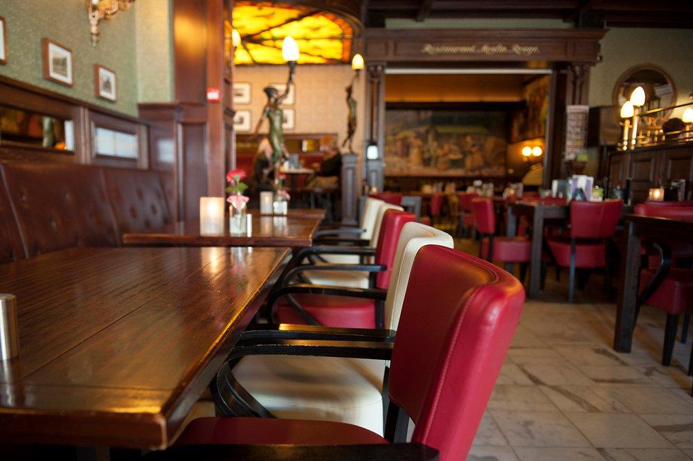 Hotel et le Cafe de Paris