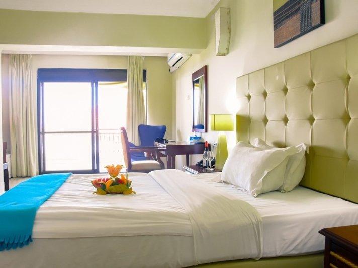 CityBlue Hotel & Suites, Embassy Row