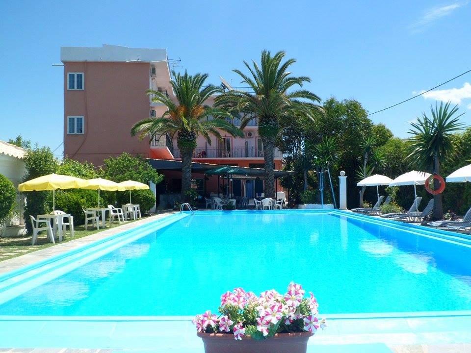 Angela Hotel & Απαρτμεντσ