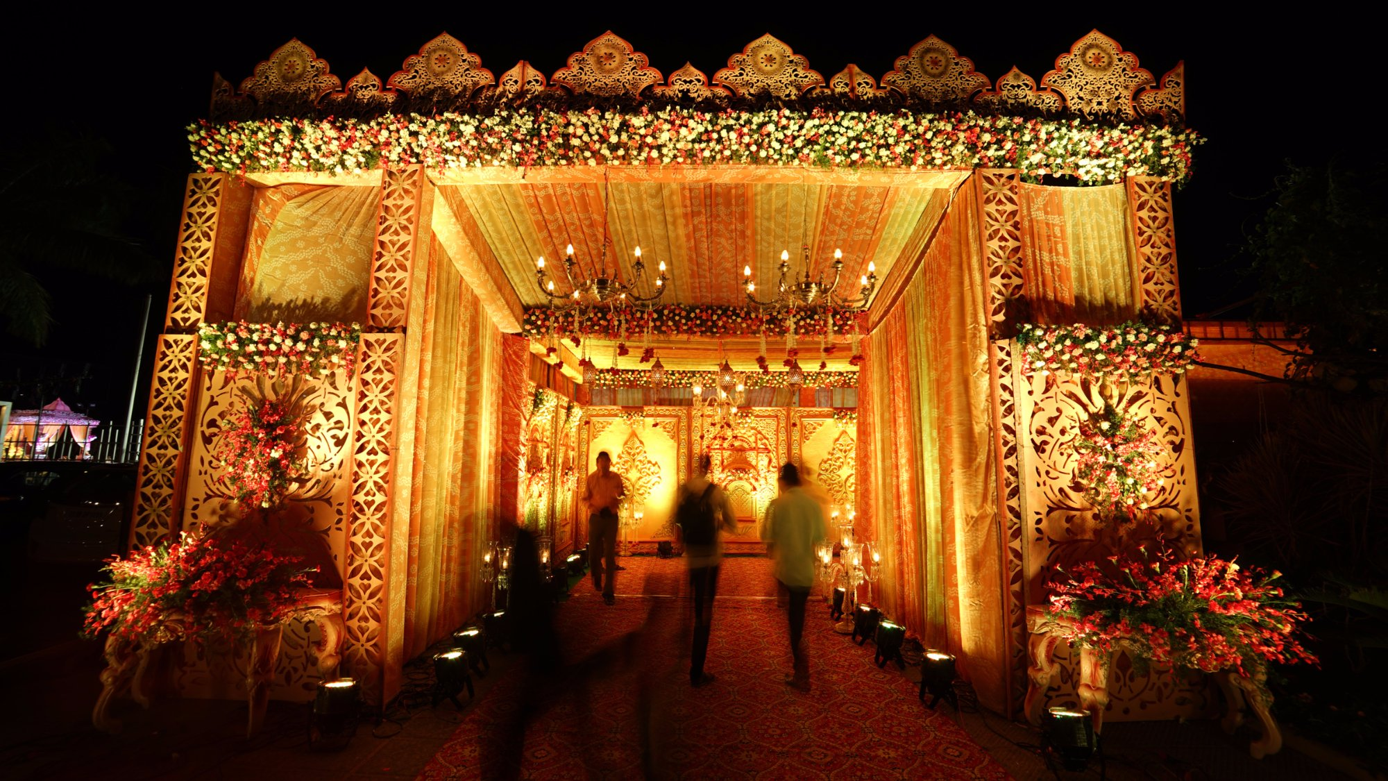 comparison of wedding of india and The end-of-life and death in india though the total population of followers of jainism in the world is small by comparison to the world's major religions, the majority of these followers - up to 42 million - in india.