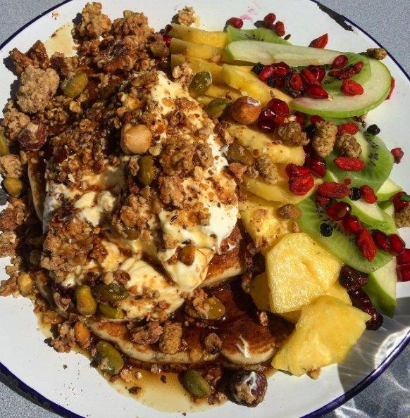 Restaurant kokomo delicatessen dans bordeaux avec cuisine for Passe plat cuisine americaine
